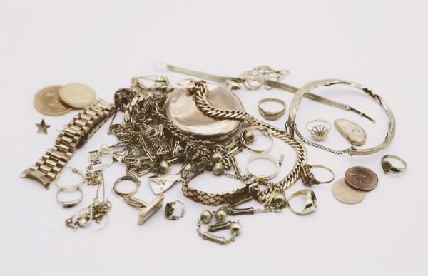 Gold- und Silberschmuck